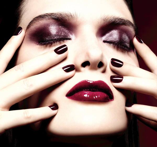 Chanel-Holiday-2015-Rouge-Noir