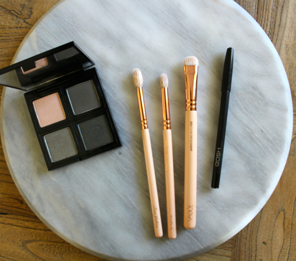 body-shop-down-to-earth-palette