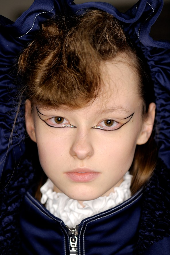 Kenzo-AW16-Backstage-Beauty-1-Vogue-9March16-James-Cochrane_b_592x888